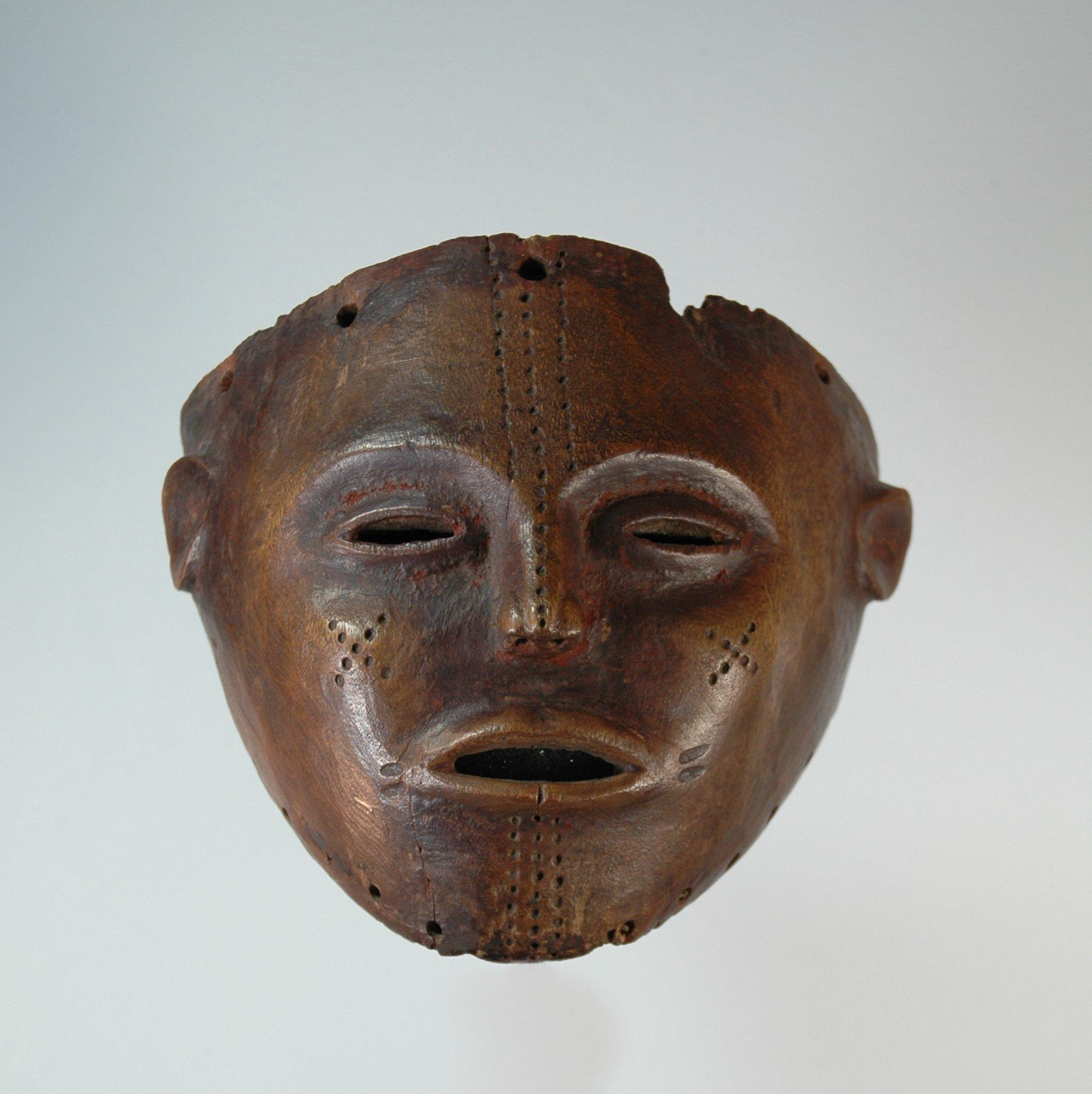 Luvale masker <em>Pwo</em>