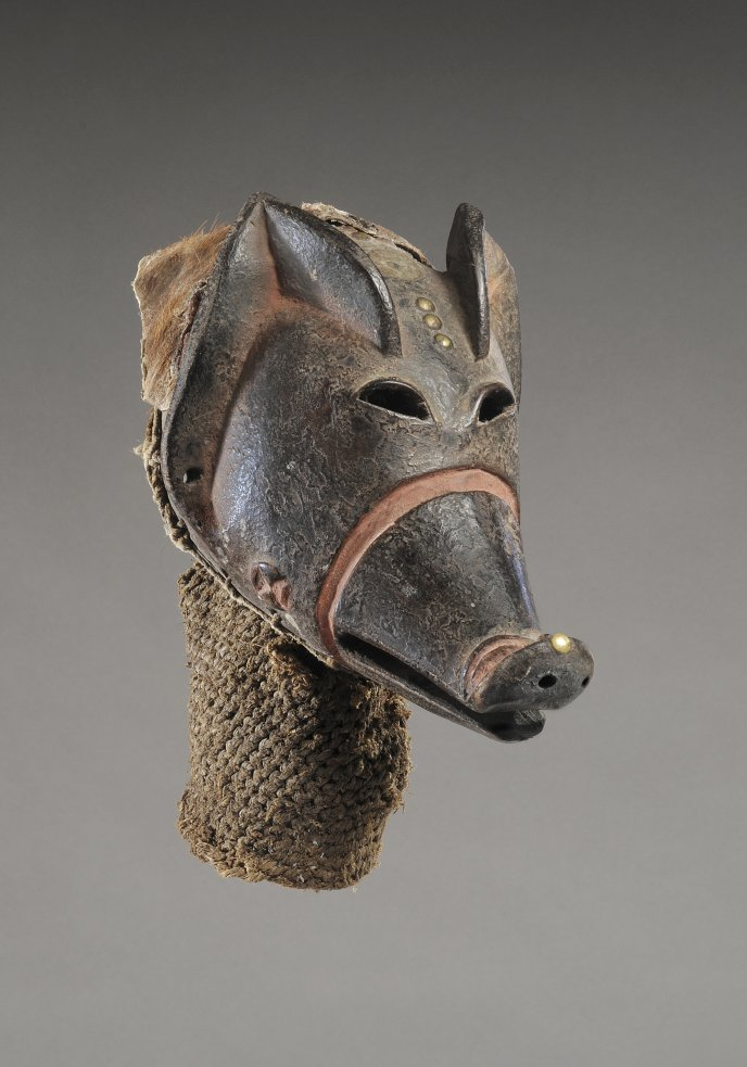 Tjokwe mask <em>mukishi wa ngulu</em>